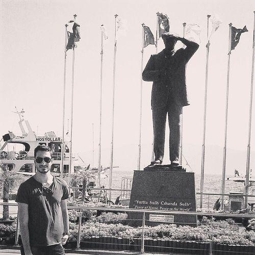 1 kişi Unutulmuyor Atatürk