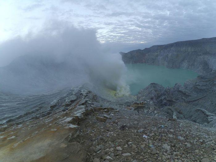 Lake Of Ijen Volcano Against Sky