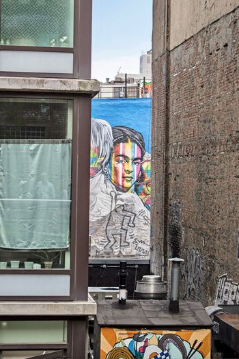 Graffiti Art Art Graffiti Frida Kahlo Human Representation Day Art And Craft Built Structure Representation Architecture Window Wall - Building Feature Graffiti Glass - Material Female Likeness Reflection Creativity Outdoors Transparent Building Exterior No People