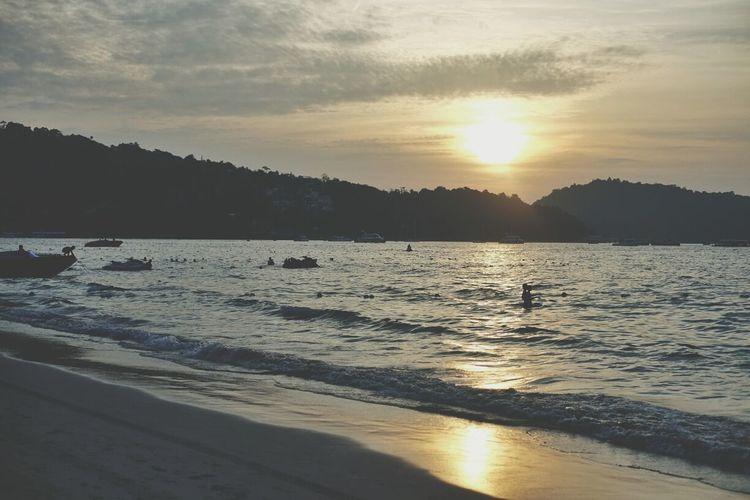 patong beach! love the sunset. Beachphotography Beach Patong Beach Holiday