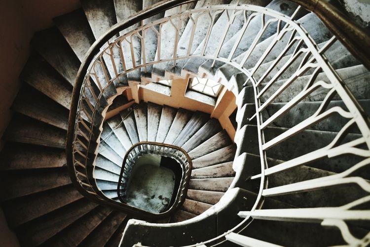 Bitola  Stairs Buildings Old Buildings Oficerskiot Lights Shadows Traveling EyeEm Best Shots Stairways