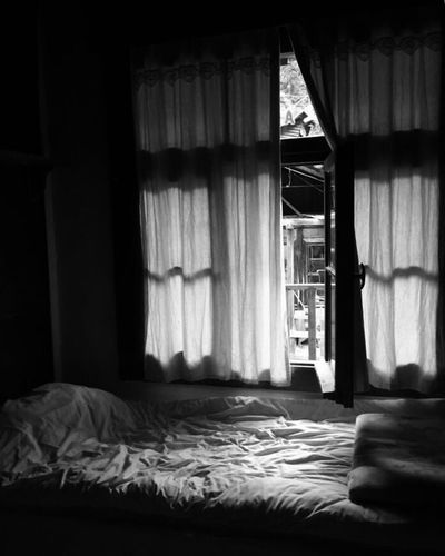 Goodmorning 😊 Fhotography Day Architecture Bnw_drama First Eyeem Photo Life Nature Bnw_life Black & White Women Of EyeEm Photography Window Bedroom Instagram_turkey Lifestyles Turkey