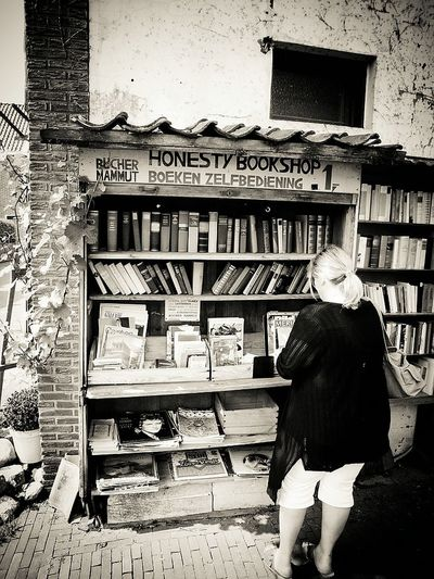 Bücher  Books Bücherstadt Town Of Books Netherlands ❤ Netherland Netherlands Breedevoort Black And White Collection  Black&white Black & White Black And White Black And White Photography Blackandwhite Photography Blackandwhite