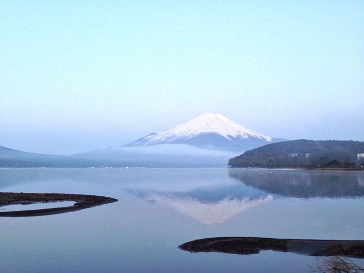 4:46。紅富士の前。 山梨 山中湖 富士山