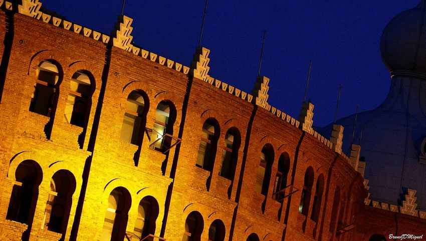 Campo pequeno/ Lisboa Arquitecture Lights Portuguese Streetphotography Portugal Urban Night Photography Lis