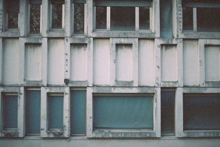 Kodak Gold 200 Expired Film The Graphic City Besancon Leica R4 135film Architecture Built Structure No People Day Building Exterior Outdoors Close-up