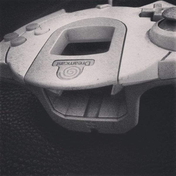 Brings back some of those good Fanboy Gamer memories. Probably still one of the best Controllers ever made out there LONG LIVE THE Dreamcast