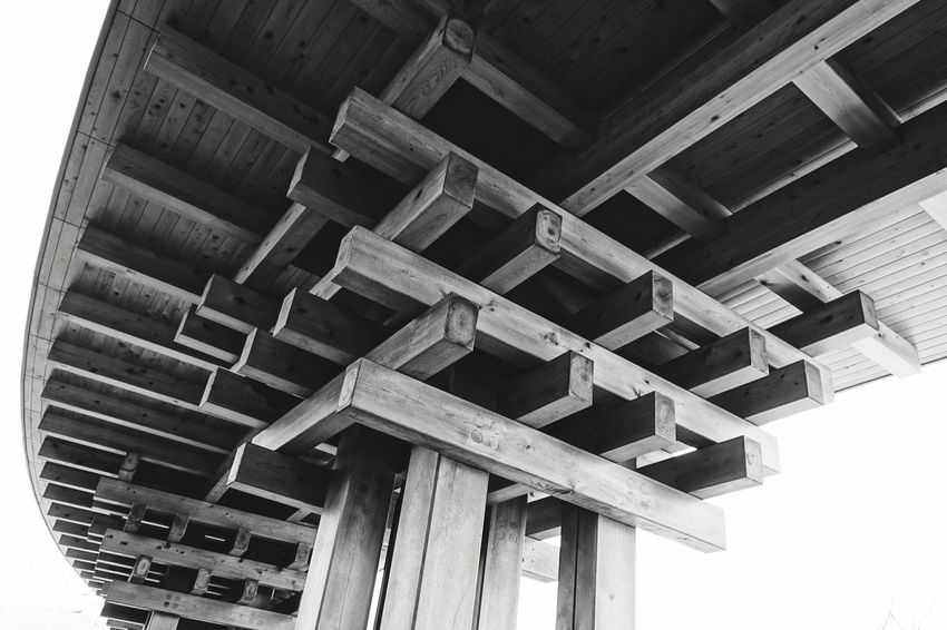 Building Wooden Wood - Material Structures & Lines Crossing The Line Sony Rx100 Sony Rx100 Okayama Japan Curves Squre Patterns Blackandwhite Photography Pivotal Ideas Minimalist Architecture