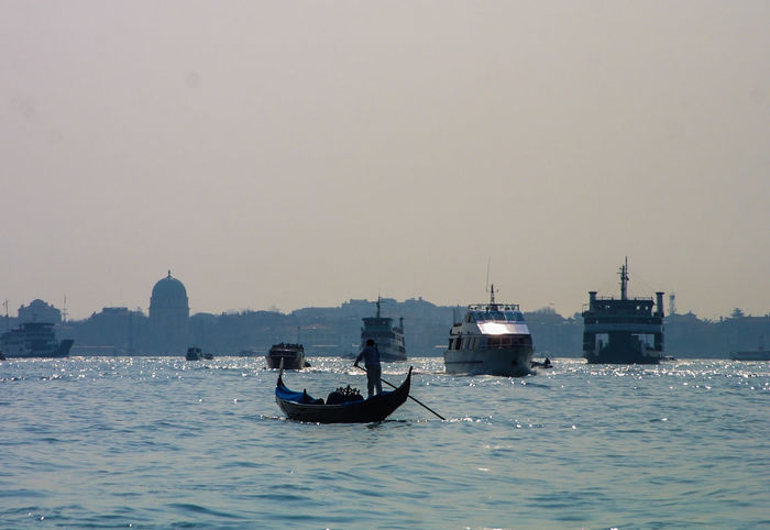 Venedig, Ohne Touristen, Lagune, Frühling, Venice, WithoutTourists, Springtime, City, Sea, Water, Historical, Old Town Day Gondola - Traditional Boat Mode Of Transport Outdoors Transportation Water Waterfront