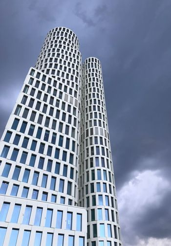 Built Structure Building Exterior Low Angle View Architecture Sky Cloud - Sky Tall - High Building Modern City Office Building Exterior No People Day Outdoors Window Skyscraper