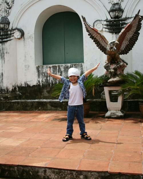 l will fly Thai Kid Thai Children Asain Boy จังหวัดเพชรบุรี Phranakhonkhiri One Man Only Only Men One Person Adults Only Adult Standing Full Length Front View People Day Headwear