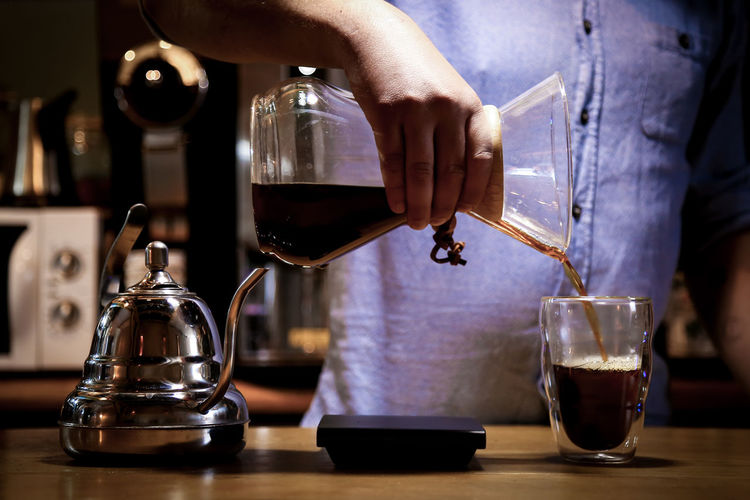 chillin with chemex Coffee Food And Drink Indoors  Drink Preparing Food Bar - Drink Establishment Close-up Midsection Happy Hour Coffee Time Coffee Break Chemex Chemex Coffee Maker Pour Over Coffee Pour Over Filter Coffee