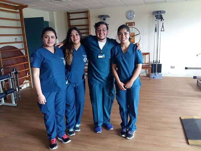 Primer día de practica Kineamigos Feliche Vamosquesepuede Aponerleempeño @_valealejandra_ @cote_pachecob @espinoza.stefany
