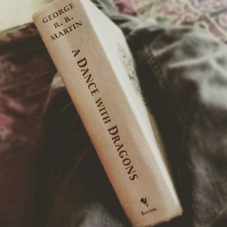 Some reading time! Gameofthrones Adancewithdragons