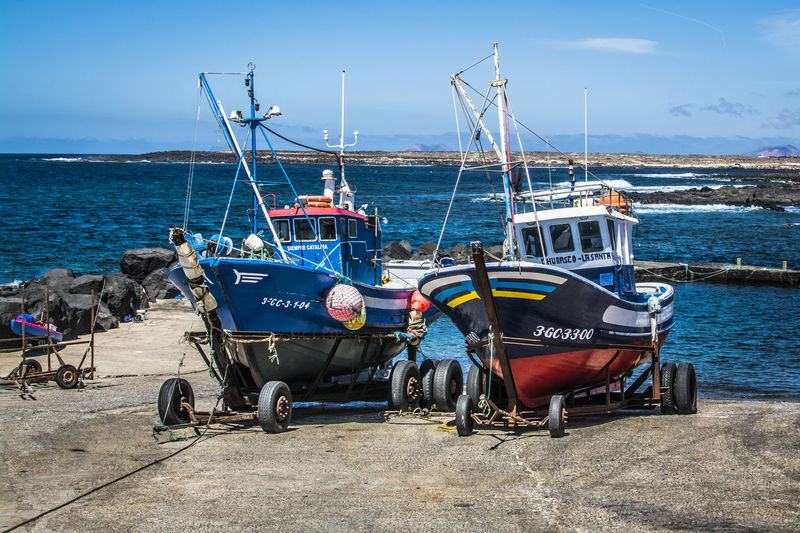 Adventure Boat Fisherboats  Fishing Boat Lanzarote Island Lanzarote-Canarias Large Group Of Objects Lifestyles Mode Of Transport Moments Nautical Vessel Outdoors Sailing Sunny Day Transportation Travel Vacation Waiting Weekend Activities Working