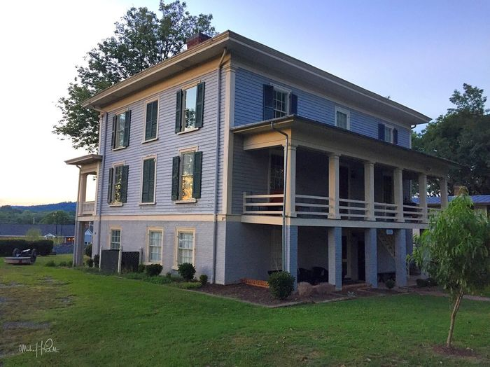 8.27.16 | Investigating the legitimately haunted Exchange Hotel/ makeshift soldier hospital (during the Civil War) with friends | Gordonsville, VA | Photo: Michael F. Pichette/ NOVA Paranormal Research Building Exterior Architecture Haunted Hotel Virginia History Civil War Historic Taking Photos