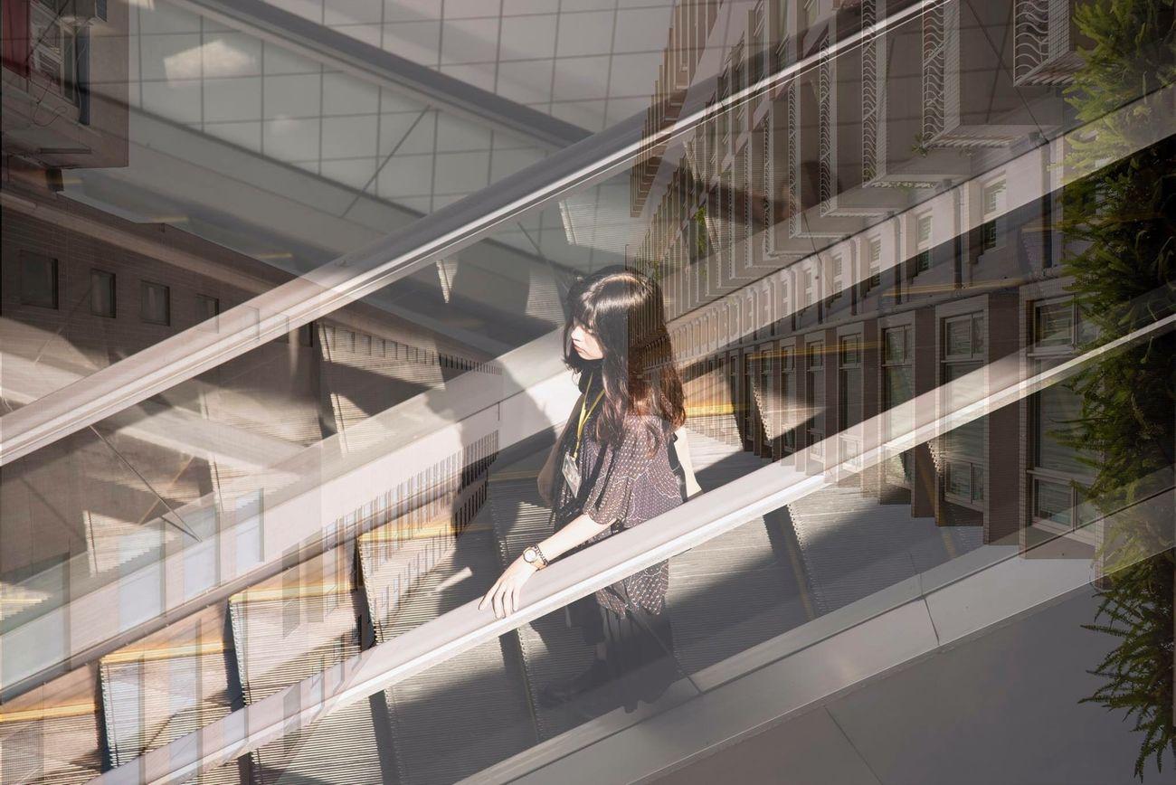 光影與大樓之間。 香港