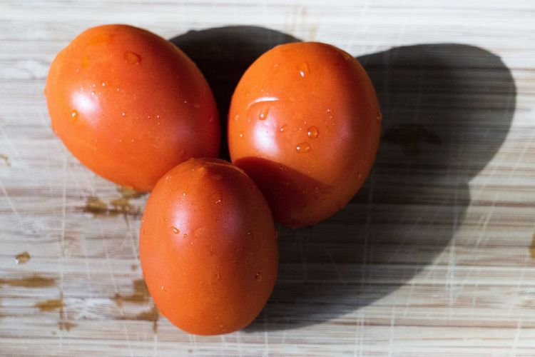 Three graces Roma Tomatoes Three Over Ripe Food And Drink Food Healthy Eating Freshness Wellbeing Still Life Indoors  Tomato Vegetable Close-up Raw Food Red