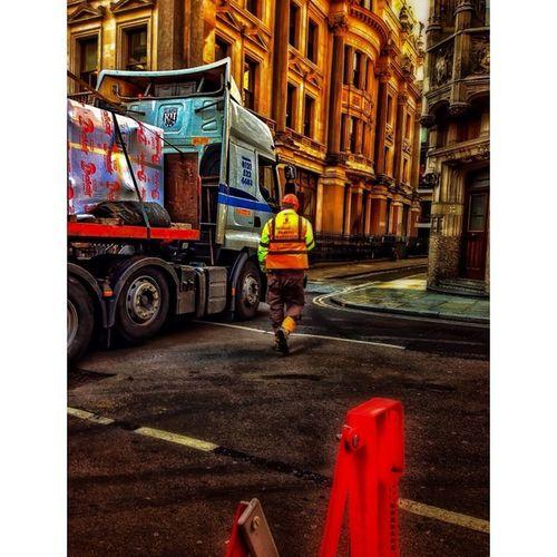Construction doesn't sleep in London City! London_only Londonpop Lom_iss Igerslondon London Ig_london LDN Timeoutlondon Mylondon Lovelondon