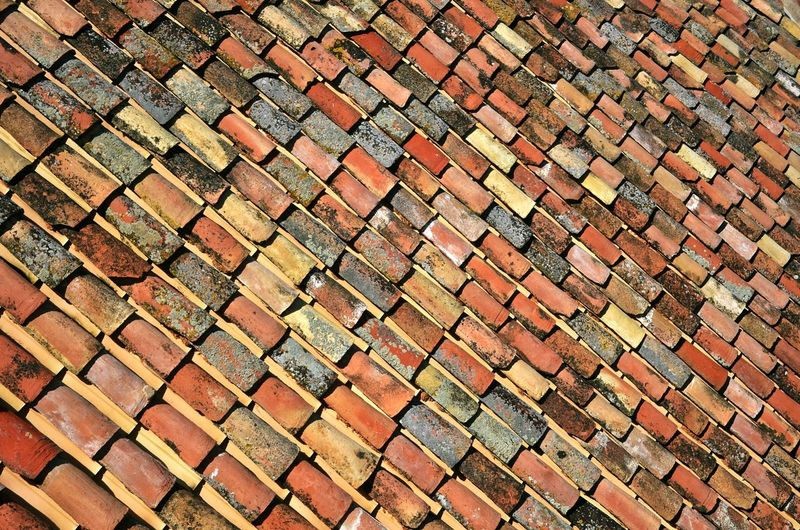 Arhitecture SPAIN Tiled Roof  Tiles Textures Streetphotography Top View Top Rooftop Roof Tile Background Pattern Diagonal Patterns & Textures Historical Building Backgrounds Full Frame Close-up Tiled Roof  Housing Settlement Townhouse Old Town Roof Tile Roof Architectural Detail Textured  Textured  LINE Rooftop Geometric Shape TOWNSCAPE
