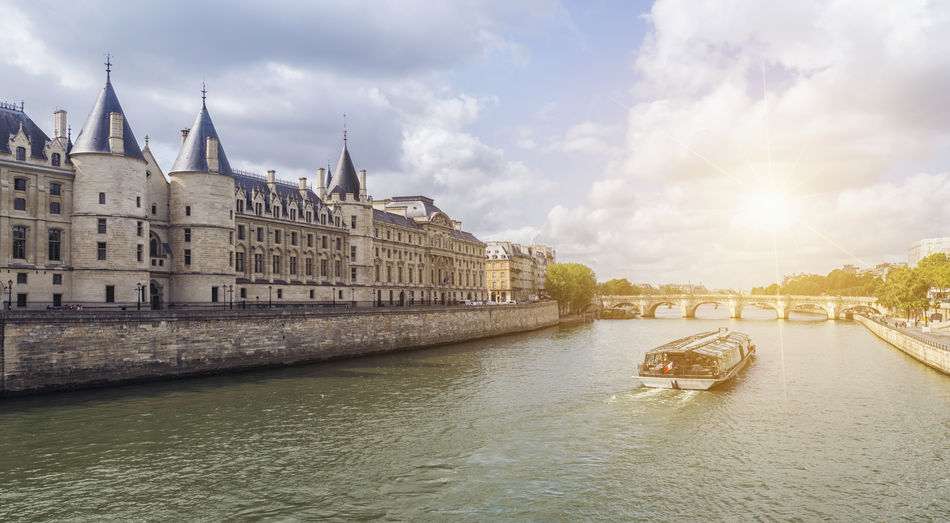 view of the saine in paris at summer Architecture City Nature Old Town Paris Paris, France  Summertime Tourist Travel View Bridge Europe Group Of People Gustave Eiffel History Outdoors River Saine Ship Shiptour Sky Tourism Tourismus Travel Destinations Water