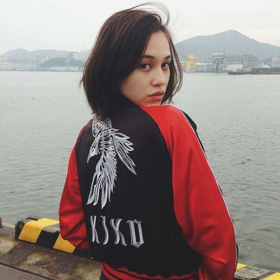 Kiko Mizuhara Kikomizuhara Natural Beauty Beauty Aesthetics Gorgeous Photography Urban Fashion Urbanstyle Model Streetstyle Street Fashion Shorthair Style Fashion Bomberjacket Bomber Jacket