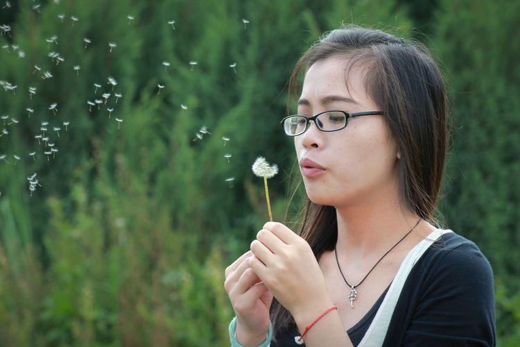 带着希望飞吧😄 365 Project Of Virgolcj 行色摄影 Dandelion Taraxacum Girl Flowers People Photography Beauty Portrait 西南林业大学