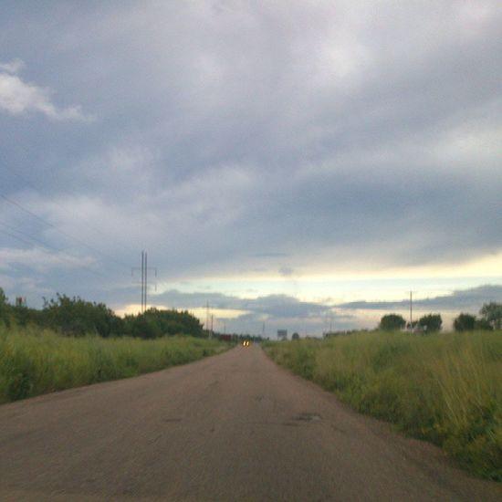 En Venezuela hay Carreteras que parecen querer llevarte al Pasado como esta de Cantaura - Anaco en Anzoátegui caminos roads country past goback