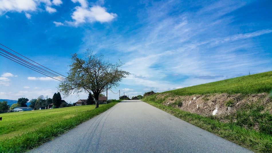 The simple life Tree Road Sky Landscape Transportation Tranquility Blue Cloud Diminishing Perspective Nature EyeEm Nature Paradise Taking Photos Green Tranquility Art Photography First Eyeem Photo Beauty In Nature EyeEm Nature Lover EyeEm Best Shots Countryside The Way Forward Scenics Francetourisme
