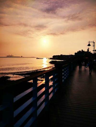 🌅Sunset Beach Vacations Outdoors Travel Destinations Beauty In Nature Sunlight Nature Mi3 Throwback Mi3camera Mi3shot Taiwan Taiwantrip2017 淡水夕陽 Danshui Town