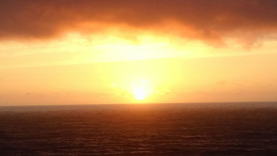 Sunset ,at the end of the world!! EyeEm Selects Water Sea Sunset Horizon Sun Gold Colored Yellow Dramatic Sky Beauty Sky California Dreamin