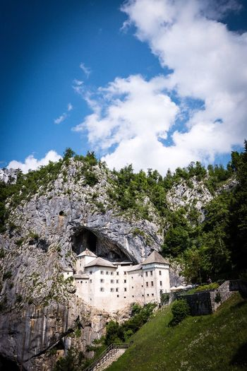 Predjama Grad Predjama Castle Slovenia Sky Architecture Built Structure Cloud - Sky Tree Building Exterior Plant Building Nature History Outdoors Travel Destinations