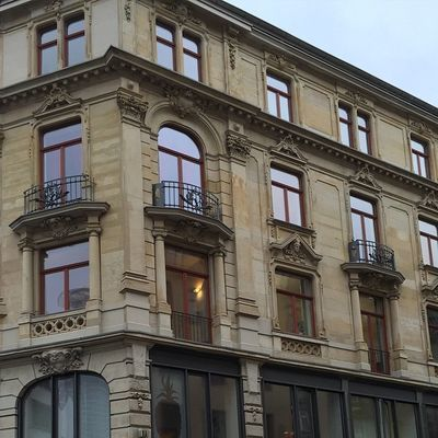 Frankfurt's life Frankfurt Frakfurtcity Eckhaus Kaiserstrasse Bahnofsviertel Frankfurtlovers Frankfurtmylove Frankfurterleben Frankfurterstadt Streetlife Tumblr Lomoblog