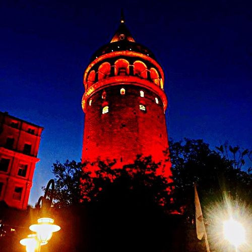 İstanbul'un Beyfendisi 💋 Illuminated Architecture Night Red Tower City Low Angle View Travel Destinations Red Light Kadrajımdanyansıyanlar Istanbul EyeEm Gallery IPhone IPhoneography Eye4photography  Galata Tower Tutiim