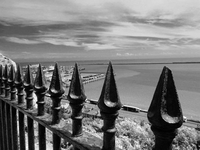 Fine Art Photography Dover Harbor Hanging Out Taking Photos Check This Out Hello World Relaxing Enjoying Life Today's Hot Look Magical Beautiful Amazing Modern Art Bestoftheday Best EyeEm Shot Blackandwhite Spiked Fence