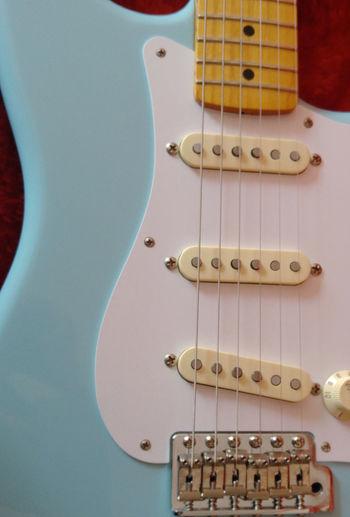 Daphne Instrumentomusical PhonePhotography Musical Instrument Musical Instruments Musica Music Is My Life Music Fenderstratocaster Fenderguitar Fender Stratocaster Fender Stratocaster Guitarporn Guitarra Guitar Love Guitar