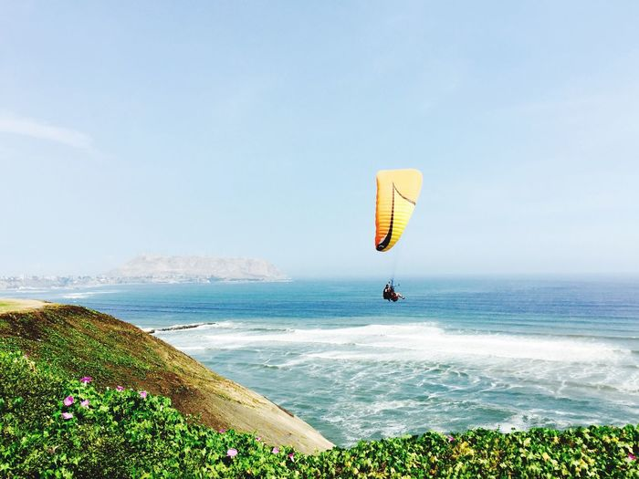 Lima, Perù Sea Nature Water Horizon Over Water Adventure Scenics Beauty In Nature Leisure Activity Parachute Day Outdoors Extreme Sports Sky Real People Sport Paragliding Clear Sky Flying One Person People Peru