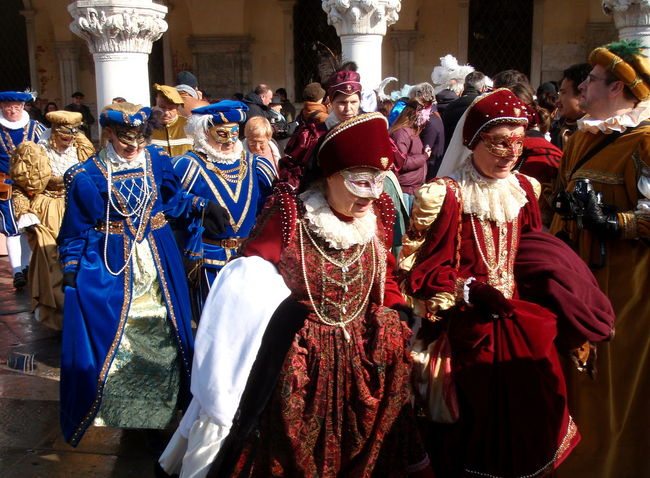 Arts Culture And Entertainment Carnevale Di Venezia Carnival Celebration Day Decoration Fantasy Mature Adult Mature Women Noble Noblesse Outdoors Outfit Parade Party People Performance Real People Royal Standing