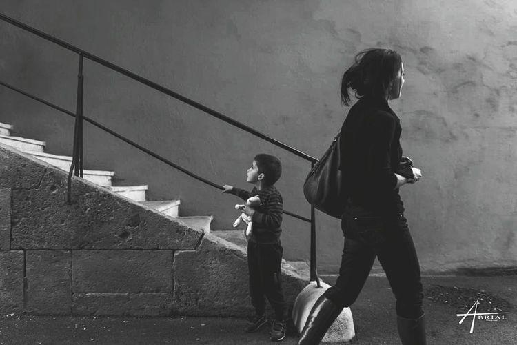 Streetphotography Ornans 2016 Enfant