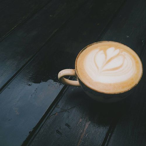 Coffee - Drink Coffee Cup Break The Mold Coffeeaddict Food And Drink Latteart Coffeelover Coffee Time Chiang Mai | Thailand Coffee Shop Relaxing Enjoying Life Chaing Mai Latte Art Shadow Thailand Coffee Latte Drink Barista