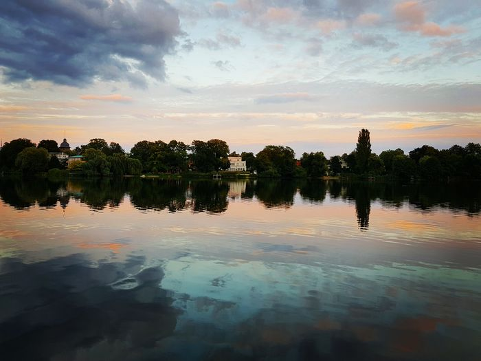 Heiliger See Idyllic Potsdam Heiliger See Tree Water Sunset Reflecting Pool Reflection Lake Sky Cloud - Sky Reflection Lake Standing Water Calm Tranquil Scene Scenics Lakeside Symmetry Atmospheric Mood Dramatic Sky Capture Tomorrow