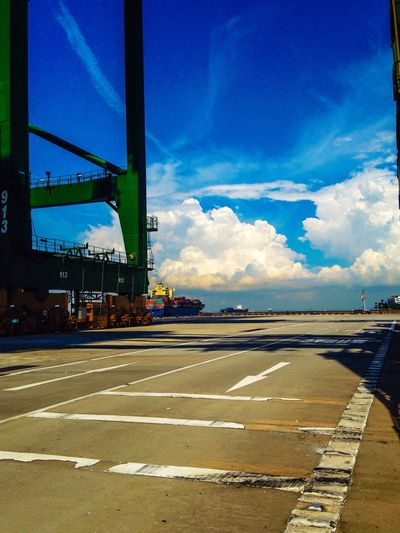 Singapore Iphone5C Beautiful Scenery Crane Brani Terminal GodCreations Sky