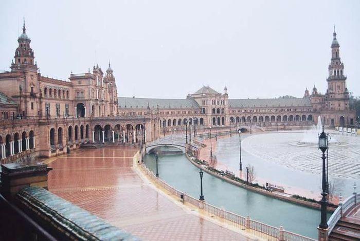 Siviglia Piazza Venezia Plaza Rain Analog Machine