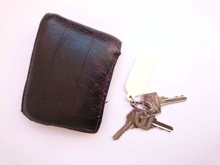 wallet and important 3 keys Brown Brown Wallet Leather Product Wallet WalletLeather Key Keys Photography Keys Keyshot Important Keys Studio Shot Old-fashioned No People Close-up White Background Indoors  Day