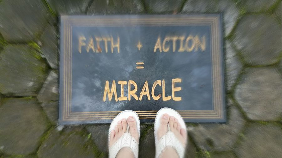 Text Close-up Personal Perspective Miracles Life Life Quotes Quotes Of The Day Mottooftheday Motto's For Life Spirits Faith & Patience Faithful Miracles Happen, Just Believe