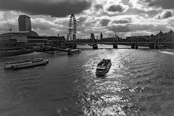 Love the sun reflection on The River Thames London Uk Cityscapes Sonyrx100iv Lightroom Travelgram Photos Blackandwhitephoto Riverthames