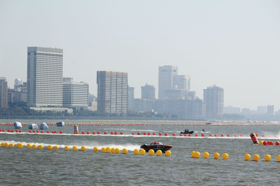Boat Race  Boats Mumbai Water Sports City Morning Textured  ReflectionBaot Boat Architecture Sunset Power Boats Sea Water Business Finance And Industry Modern Boat Race  Urban Skyline Outdoors Skyscraper Snowing Architecture Nature Day