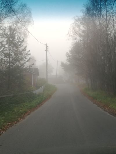 Foggy Empty Road Diminishing Perspective Fog Oulu, Finland Scenics Nature Tranquil Scene
