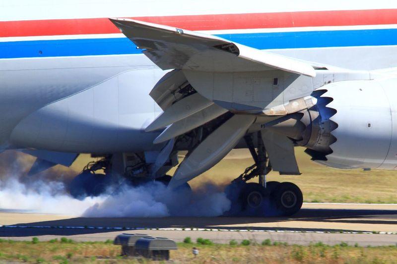 just landing Airplane Komatsu Airport Just Landing Landing Cargo Cargolux B747 B747-8f LX-VCB Landing Gear