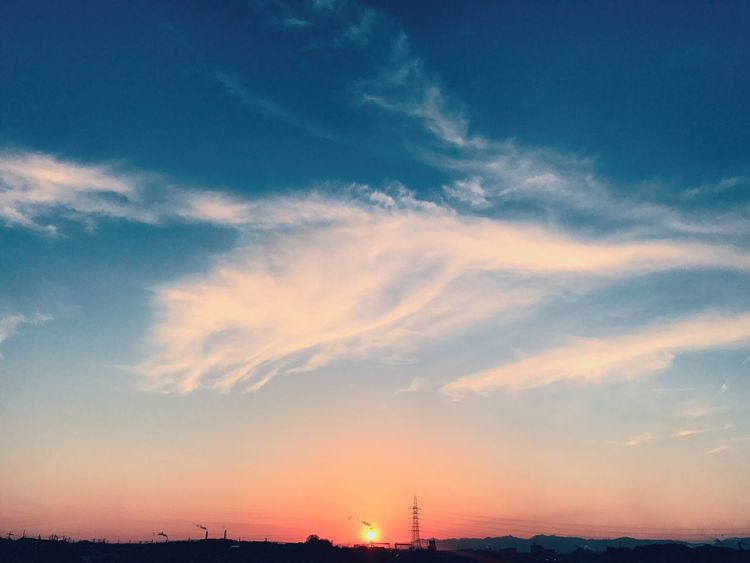 Sky Sunset Day No People 日本 Japan 夕陽 夕日 夕焼け Sunset #sun #clouds #skylovers #sky #nature #beautifulinnature #naturalbeauty #photography #landscape Sunset_collection Sunset Lovers Set いつかの空 いつかの夕陽